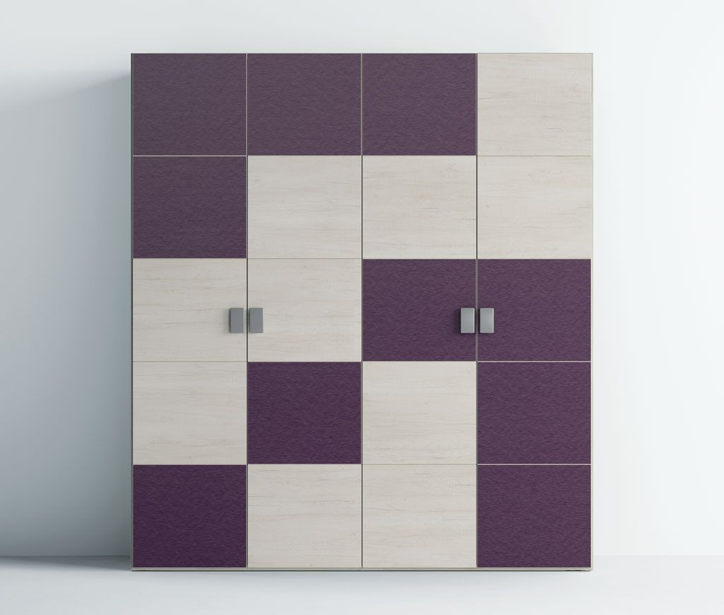 Fotografía del armario con las puertas A5 combinando colores en los frentes