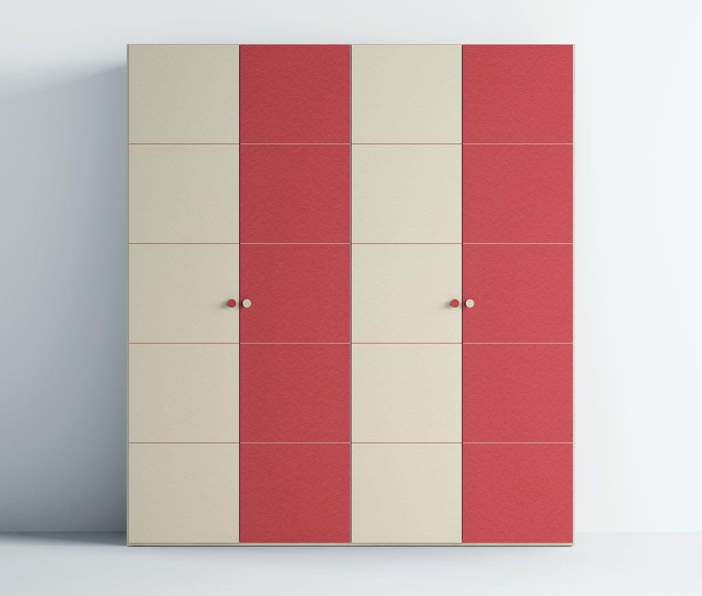 Fotografía del armario con las puertas A5 con una combinación de dos colores