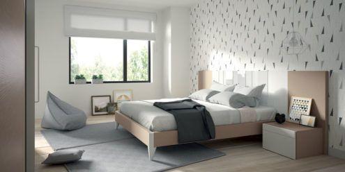 Dormitorio de matrimonio con el cabecero AV con franjas con cristal