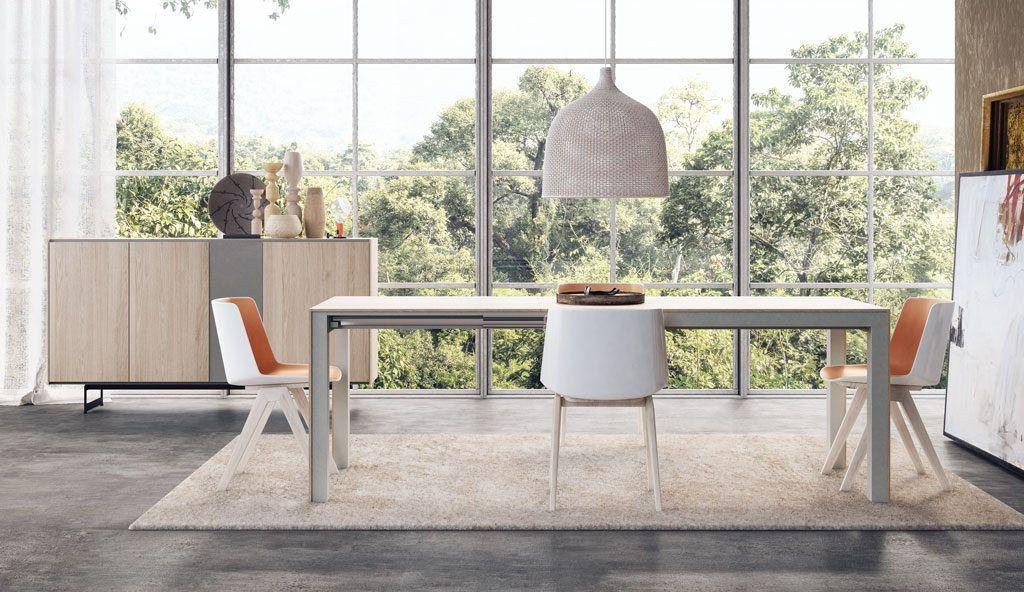 Composición con mesa de comedor extensible y aparador