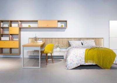 Dormitorio con el cabecero Homage con estanterías Airbox