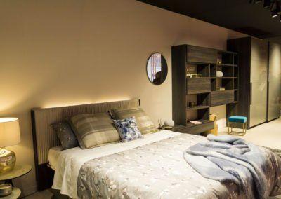 Dormitorio con el nuevo cabecero tapizado